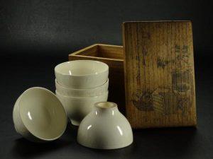 徳化窯の白磁煎茶碗