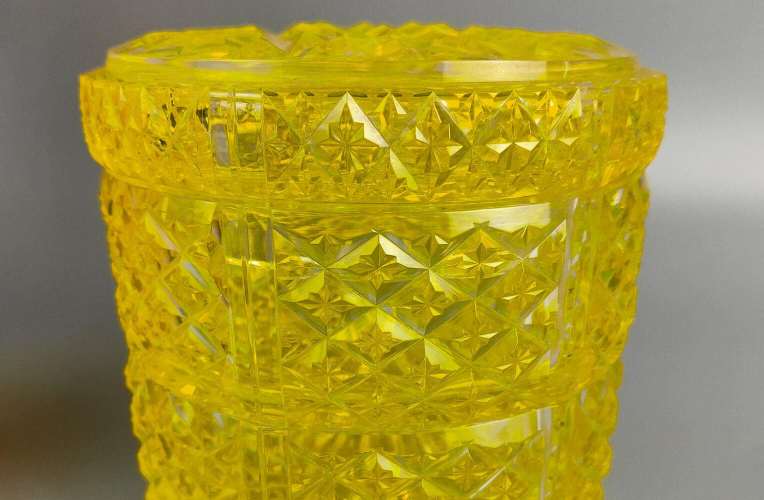 復元薩摩切子 被せガラス切子三段重 尚古集成館監修 薩摩ガラス工芸作 商品アップ画像