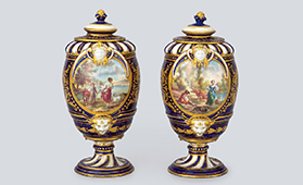セーヴル スタイル コバルト男女文蓋付飾り壺