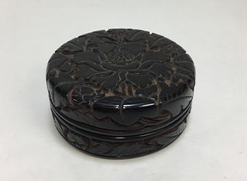 堆黒牡丹 香合