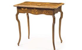 ガレアイリス文テーブル