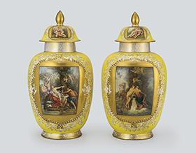 ドレスデン 神話文蓋付飾り壺