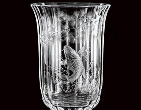 モーゼル 鯉と松文花瓶