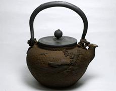亀文堂 山水盛上図 鉄瓶