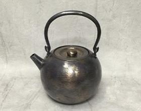 道惣製 丸型純銀瓶