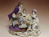 『ロココ調』 レース陶器人形