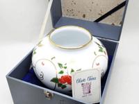 大倉陶園金彩花瓶