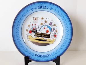 Doraemon's Bell ドラえもん イヤープレート 2012年